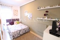 Stylish Apartment with Garden + Private Solarium (16)