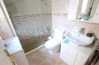 Charming 2 Bed / 1 Bath Bungalow With Solarium (14)