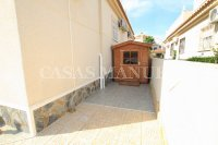 2 Bed / 1 Bath Bungalow With Solarium (25)