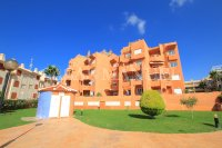 Three Bed Apartment within walking distance to Beach