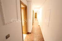 Spacious South-Facing Apartment - Central Location  (14)