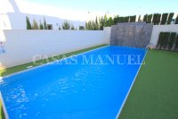 Luxury 4 Bed / 3 Bath Semi-Detached Villa  (4)