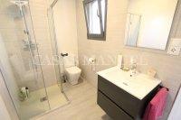 Luxury 4 Bed / 3 Bath Semi-Detached Villa  (14)