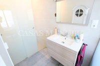 Luxury 4 Bed / 3 Bath Semi-Detached Villa  (19)