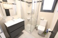 Luxury 4 Bed / 3 Bath Semi-Detached Villa  (23)