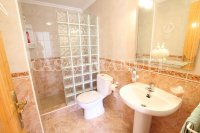 Stylish 3 Bed South-Facing Penthouse Apartment (17)