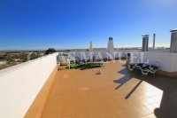 Stylish 3 Bed South-Facing Penthouse Apartment (23)