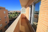 Stylish 3 Bed South-Facing Penthouse Apartment (20)