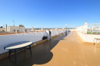 Stylish 3 Bed South-Facing Penthouse Apartment (25)