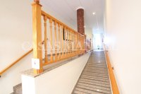 Stylish 3 Bed South-Facing Penthouse Apartment (30)
