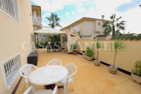 Spacious Semi-Detached Villa With Guest Apartment  (22)