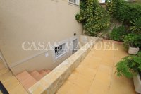 Spacious Semi-Detached Villa With Guest Apartment  (24)