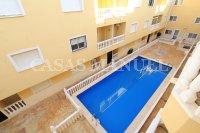 South-Facing Top Floor Apartment with Solarium (3)