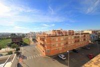 South-Facing Top Floor Apartment with Solarium (16)