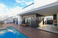Stylish 3 Bed / 2 Bath Villa With Private Pool (Resale) (19)