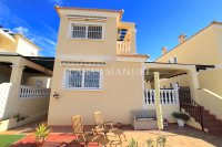 Roomy 4 Bed Villa With Plenty of Outdoor Space (31)