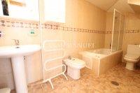 Spacious 3 Bed / 2 Bath Duplex Apartment  (8)