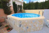 Stunning 3 Bed / 2 Bath South-Facing Villa With Pool (25)