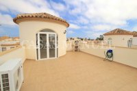 Stylish 3 Bed / 2 Bath Villa With Outdoor Space  (18)