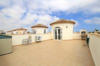 Stylish 3 Bed / 2 Bath Villa With Outdoor Space  (3)