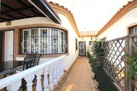 Stylish 3 Bed / 2 Bath Villa With Outdoor Space  (22)