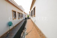Stylish 3 Bed / 2 Bath Villa With Outdoor Space  (26)