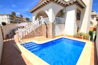 Stylish 3 Bed / 3 Bath Villa With Private Pool + Garage  (5)