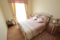 Sizeable 3 Bed / 2 Bath South-Facing Villa  (20)
