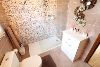 Sizeable 3 Bed / 2 Bath South-Facing Villa  (25)