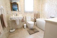 Sizeable 3 Bed / 2 Bath South-Facing Villa  (13)