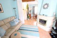 Sizeable 3 Bed / 2 Bath South-Facing Villa  (9)