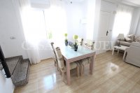 Spacious 3 Bed / 2 Bath Townhouse With Designer Interior and Pool Views  (15)