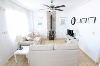 Spacious 3 Bed / 2 Bath Townhouse With Designer Interior and Pool Views  (5)