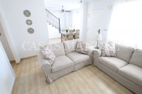 Spacious 3 Bed / 2 Bath Townhouse With Designer Interior and Pool Views  (1)