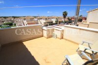 Spacious 3 Bed / 2 Bath Townhouse With Designer Interior and Pool Views  (23)