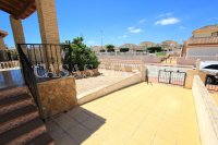 Spacious 3 Bed / 2 Bath Townhouse With Designer Interior and Pool Views  (25)