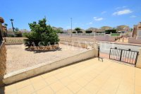 Spacious 3 Bed / 2 Bath Townhouse With Designer Interior and Pool Views  (26)