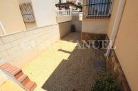 Spacious 3 Bed / 2 Bath Townhouse With Designer Interior and Pool Views  (24)