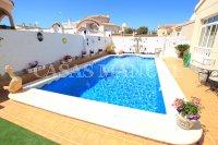 Luxury 3 Bed / 3 Bath Villa with many Extras (6)