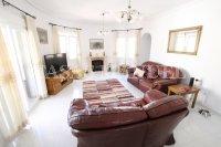 Luxury 3 Bed / 3 Bath Villa with many Extras (1)