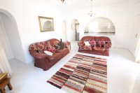 Luxury 3 Bed / 3 Bath Villa with many Extras (12)