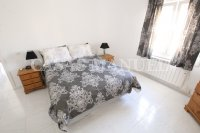 Luxury 3 Bed / 3 Bath Villa with many Extras (13)