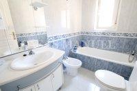 Luxury 3 Bed / 3 Bath Villa with many Extras (18)