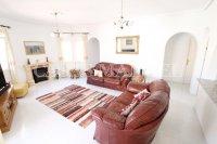 Luxury 3 Bed / 3 Bath Villa with many Extras (21)