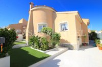 Large 4 Bed South-Facing Villa with Guest Accommodation