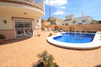 Delightful South-Facing Detached Villa With Private Pool  (19)