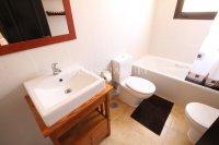 Stunning 2 Bed / 2 Bath Property - Mountain Views  (11)