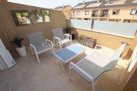 Stunning 4 / 2 Bath Bed Semi With Private Pool + Designer Interior  (27)
