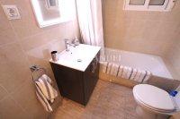 Stunning 4 / 2 Bath Bed Semi With Private Pool + Designer Interior  (14)