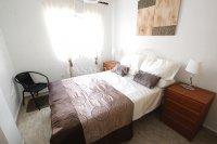 Stunning 4 / 2 Bath Bed Semi With Private Pool + Designer Interior  (16)